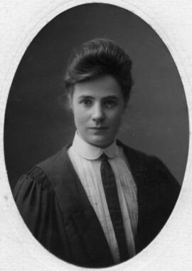 Photograph of Ethel Margaret Munro : Class of 1905