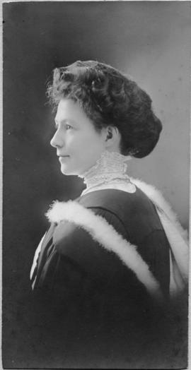 Photograph of Martha Ellen Dewis : Class of 1910