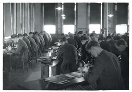Photograph of medical students in the Forrest Building Laboratory