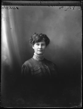 Photograph of Elsie Fraser