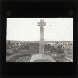 Photograph of Lieutenant General Sir Frederick Stanley Maude's grave