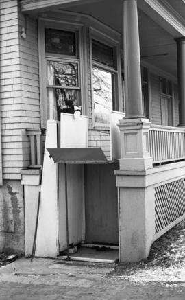 Photograph of a wheelchair lift at the Department of History
