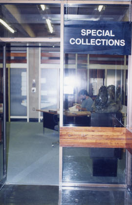 Photograph of the Special Collections Reading Room in the Killam Memorial Library, Dalhousie Univ...