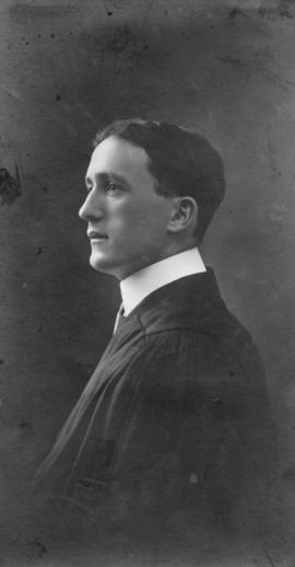 Photograph of Alexander Thomas MacDonald : Class of 1910