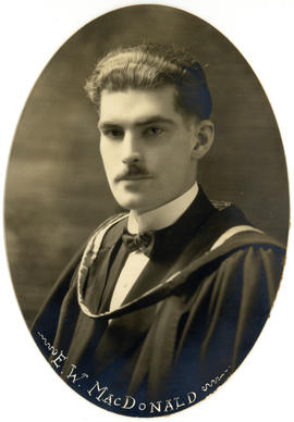 Portrait of Eric Wallace MacDonald : Class of 1922
