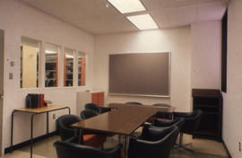 Photograph of a meeting room in the Kellogg Library