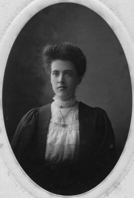 Photograph of Amy Kingsland Pennington : Class of 1906