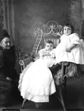 Photograph of J. Fred McDonald's children