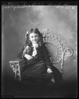 Photograph of Daisy Grant and a bird