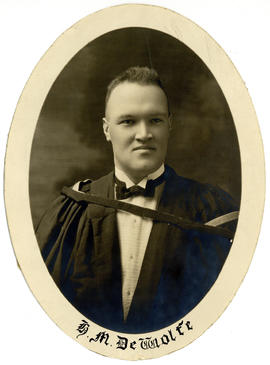Portrait of Henry Mitchell DeWolfe : Class of 1924