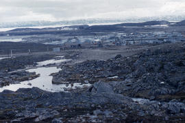 Photograph of the town of Frobisher Bay and the surrounding landscape
