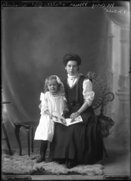 Photograph of Mary Muir and child