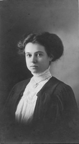 Photograph of Dorothy Constance Gorham : Class of 1910