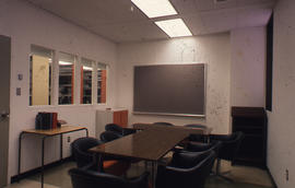 Photograph of the W.K. Kellogg Health Science Library meeting room