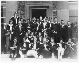 Photograph of graduates in front of Shirreff Hall