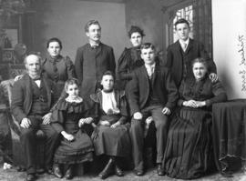 Photograph of Richard Davis and family