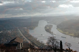 Photograph of the Rhine upsteam from the Drachenfels