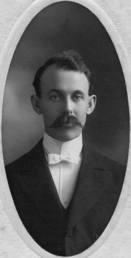 Photograph of Charles Jacob Crowdis : Class of 1904