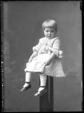 Photograph of the daughter of Mrs. Muirhead/Murray