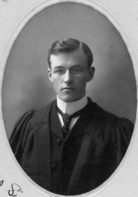 Photograph of Robert Anderson Watson : Class of 1907