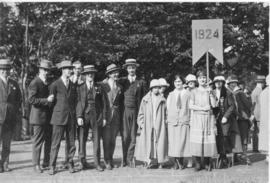 Photograph of members of the class of 1924 at a Dalhousie alumni procession