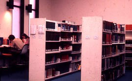 Photograph of the W.K. Kellogg Health Science Library first floor stacks