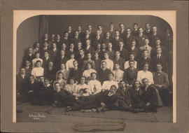 Photograph of freshman class of 1910