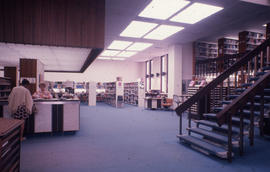Photograph of the W.K. Kellogg Health Science Library main floor