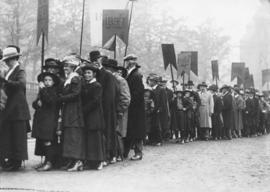 Photograph of alumni lining up for Dalhousie University's centenary parade procession