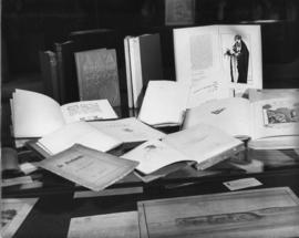 Photograph of Oscar Wilde collection