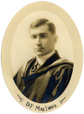 Portrait of Daniel Finlayson MacInnis : Class of 1918