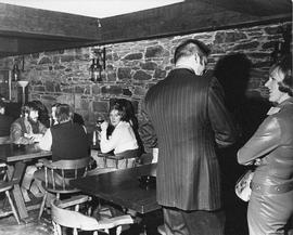 Photograph of an alumni pub night