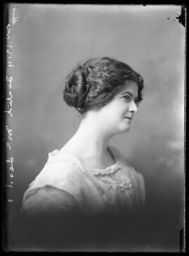 Photograph of Miss Isabel McLeod