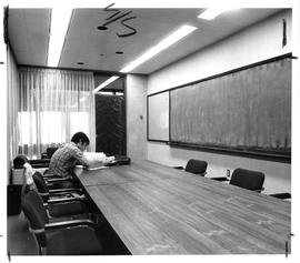 Photograph of a conference room in the Killam Memorial Library