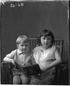 Photograph of the children of Mrs. Willard Cameron