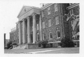 Photograph of the King's College arts and administration building