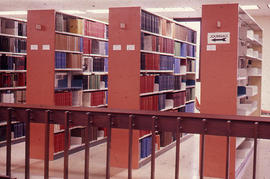 Photograph of the W.K. Kellogg Health Science Library second floor stacks