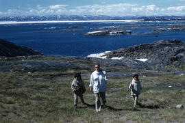 Photograph of Barbara Hinds and two children in Frobisher Bay, Northwest Territories