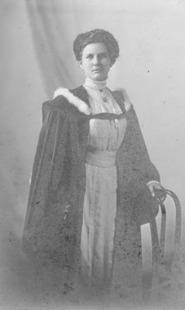 Photograph of Lillie Alberta Boak Umlah : Class of 1910