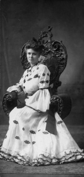 Photograph of Mary Eliza Noble : Class of 1907