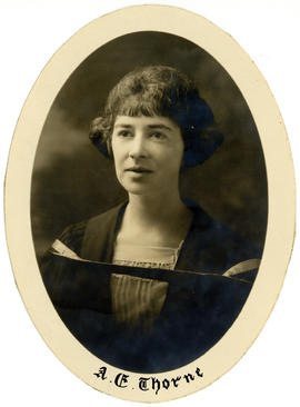 Portrait of Alice Evelyn Thorne : Class of 1924