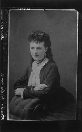Photograph of an unknown woman commissioned by Mr. Murray Gordon