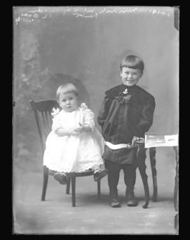 Photograph of the children of Mrs Murdock McKay