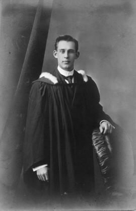 Photograph of Daniel Cobb Harvey : Class of 1910