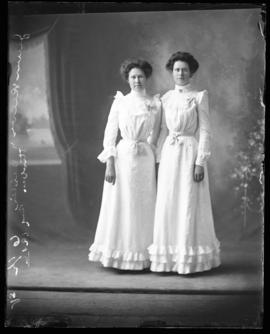Photograph of Jennie Reeves and her sister
