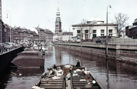 Photograph of boats in a canal facing Thorvaldsens Museum